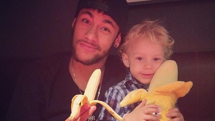 #WeAreAllMonkeys: Neymar, Aguero, Luiz troll racists with 'Alves banana kick'