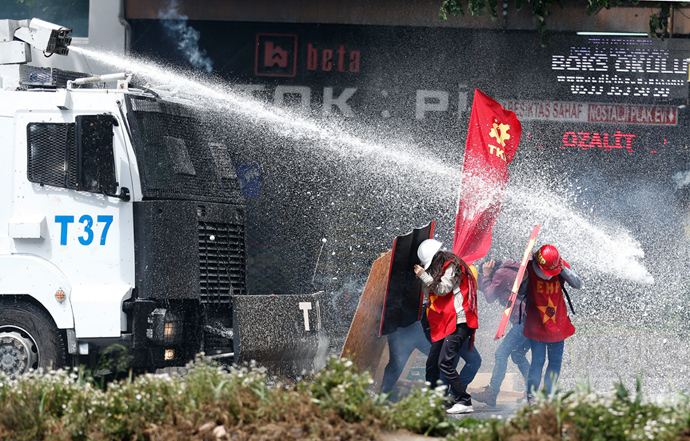 Riot police use water cannon to disperse protesters during a May Day demonstration in Istanbul May 1, 2014 (Reuters / Murad Sezer)