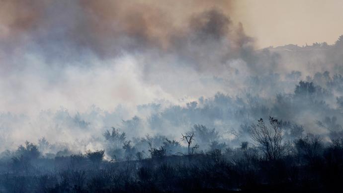 Wildfire triggers mass evacuation near Los Angeles (PHOTOS, VIDEO)