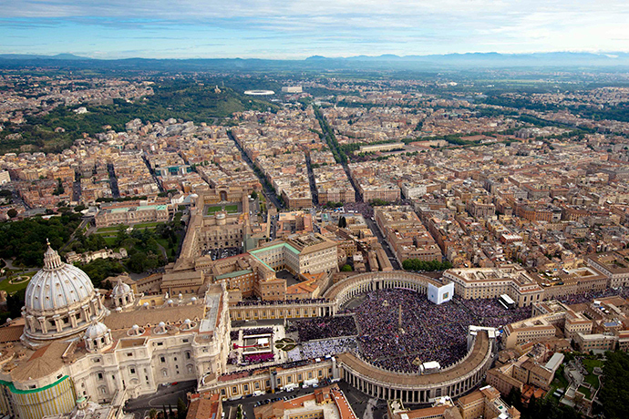 An aerial view is seen of St. Peter's square in Vatican (Reuters / Polizia di Stato)