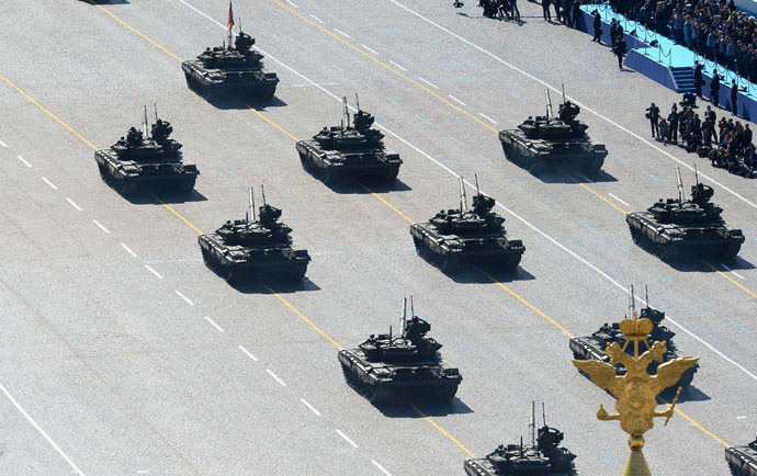 T90 tanks during a parade marking the 69th anniversary of the victory in the Great Patriotic War, on Moscow's Red Square. (RIA Novosti)