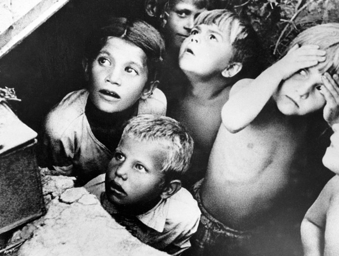 Soviet children during a Nazi air-strike on the outskirts of Minsk, Belarus. 24.06.1941. Photo by Yaroslavtsev. (RIA Novosti)