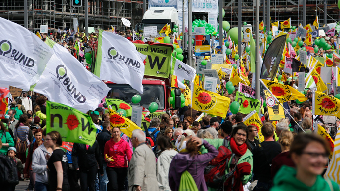 Tens of thousands demonstrate for renewable energy in Berlin (PHOTOS, VIDEO)