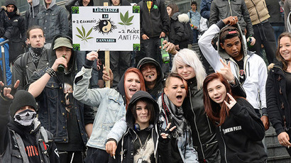 Thousands march in support of legal pot in Chile (VIDEO)