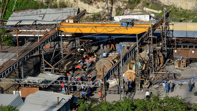 245 dead in Turkey mine explosion, 120 trapped