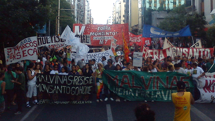 Argentina environmentalists, farm workers protest Monsanto pesticides