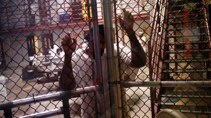 US judge temporarily halts force-feeding of Guantanamo prisoner