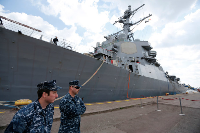 Two crew members stand in front of the destroyer USS Donald Cook in the Black Sea port of Constanta April 14, 2014.(Reuters / Bogdan Cristel)