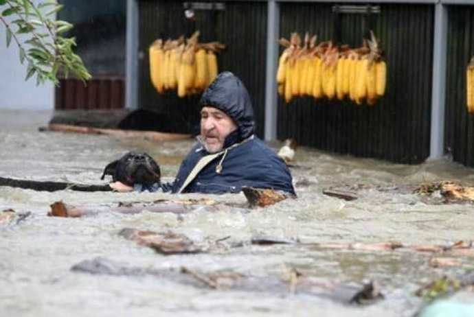 We Are All One – InTimes Of Danger Love Prevails – 2014: The Year Of Unity Consciousness – Devastating Balkans Floods – People Risk Their Lives To Save The Animals – May 2014 A-1