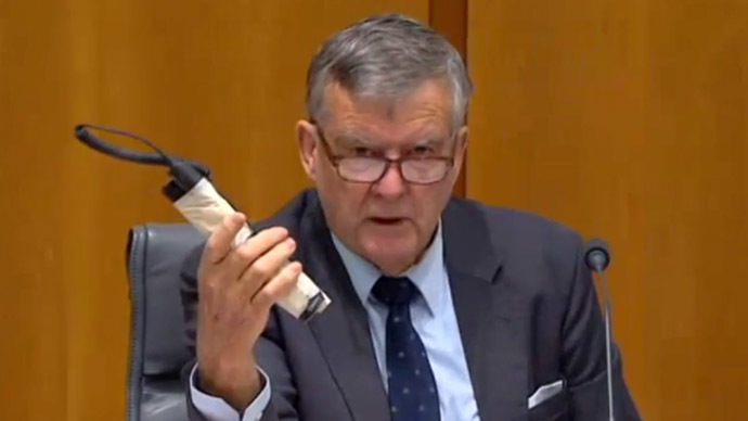 Security stunt: Australian politician brings pipe bomb into parliament