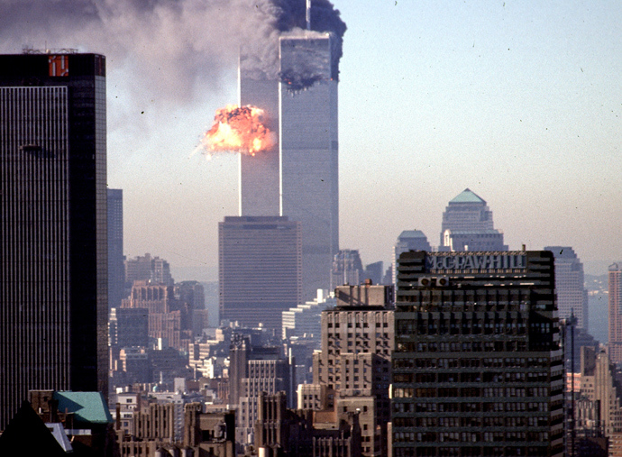 A hijacked commercial plane crashes into the World Trade Center 11 September 2001 in New York (AFP Photo)