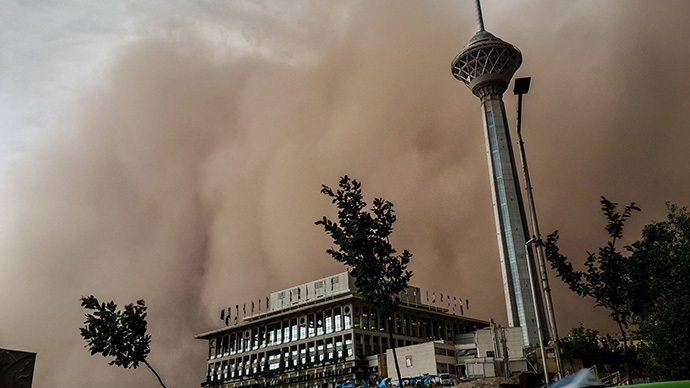 Monster sandstorm swallows Iran's capital Tehran, 4 killed (PHOTOS, VIDEO)