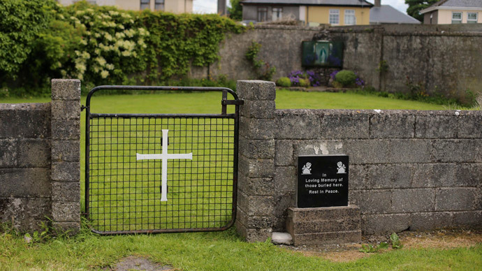 Mass babies' grave scandal pushes Irish govt, Catholic Church toward inquiry