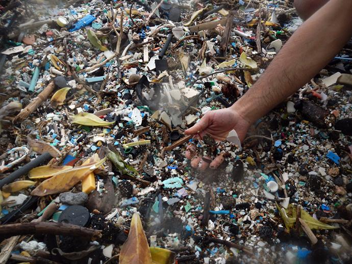 Trash from Kamilo Beach, Hawaii (Photo by Gabriella Levine / flickr.com)