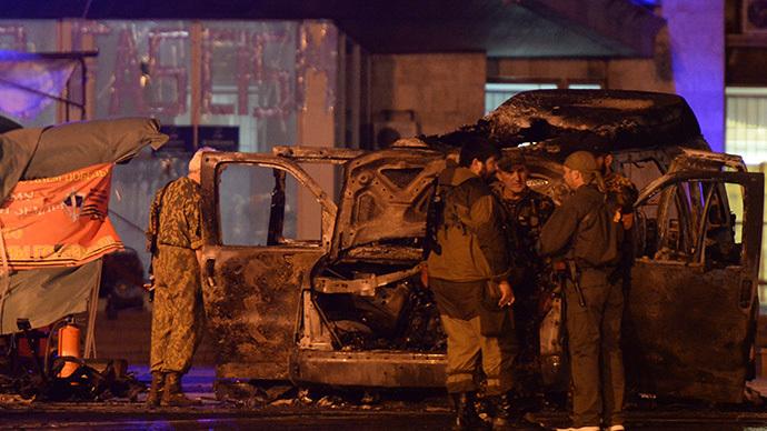 Blast targets self-proclaimed E. Ukraine leader's vehicle, 2 killed