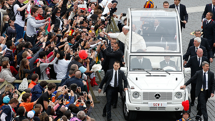 'Sardine can:' Popemobile out of favor with Pope Francis