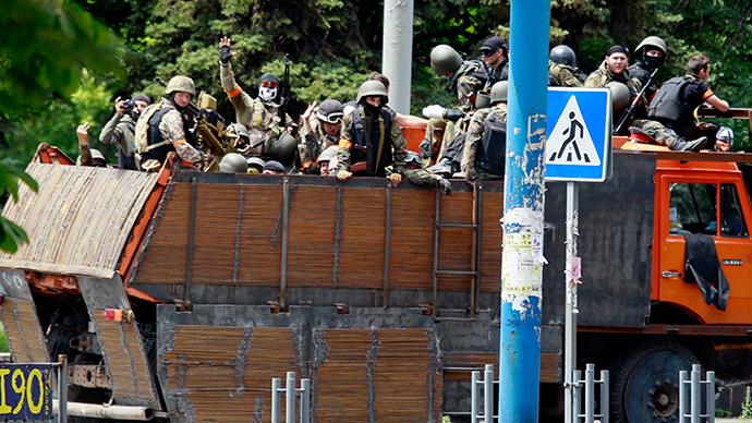 Fatalities as Kiev's military 'reclaim' first eastern city