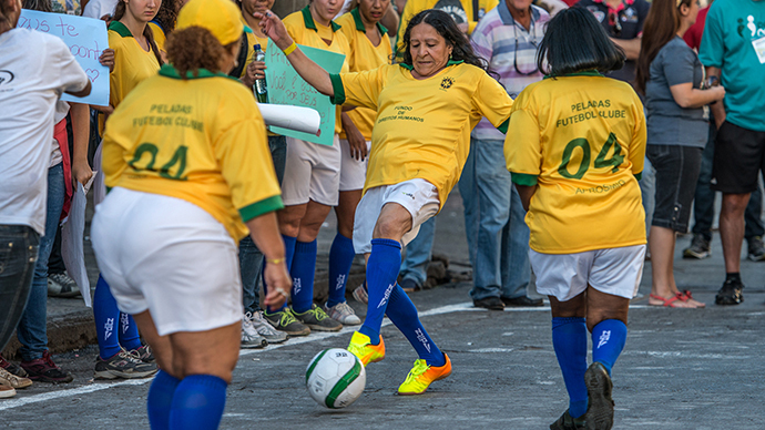 'Naked football': Brazil prostitutes show ball skills to highlight sex workers' rights