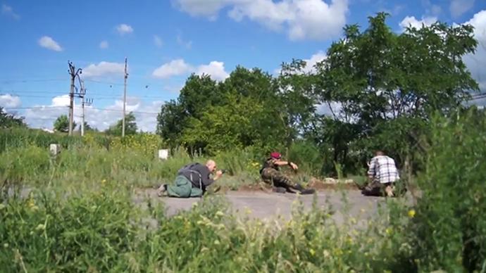 Journalists caught in gunfire near Slavyansk