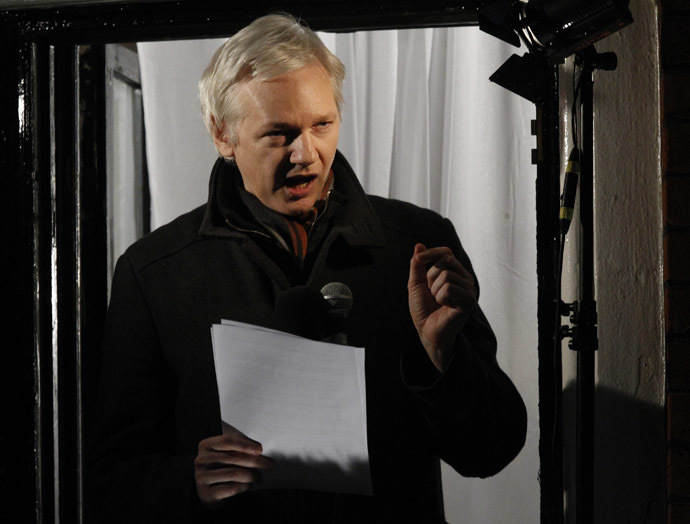 WikiLeaks founder Julian Assange makes a speech from the balcony of Ecuador's Embassy, in central London December 20, 2012. (Reuters/Luke MacGregor)