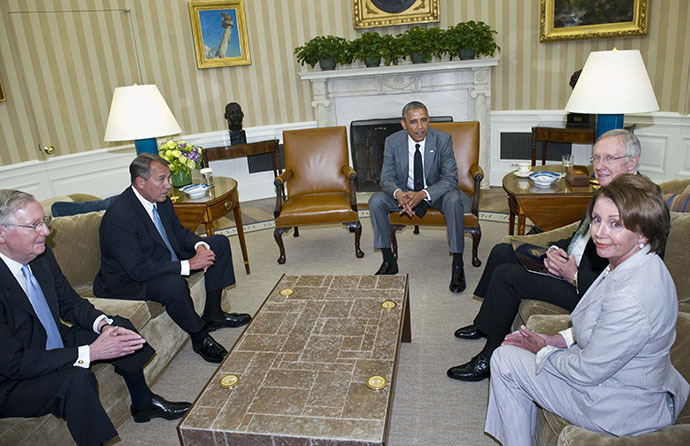 US President Barack Obama meets with Congressional leadership including Senate Majority Leader Harry Reid (2nd R), Senate Minority Leader Mitch McConnell (L), House Speaker John Boehner (2nd L), and House Minority Leader Nancy Pelosi (R), in the Oval Office of the White House on June 18, 2014 in Washington, DC. (AFP Photo / Mandel Ngan)