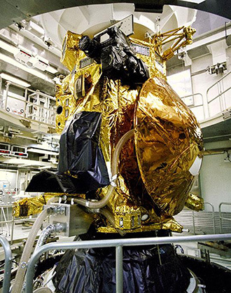 Cassini spacecraft with the Huygens probe (AFP Photo / NASA / Getty out)