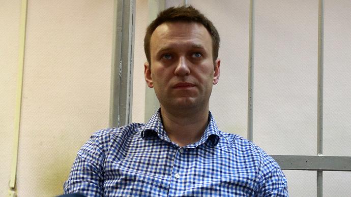 Investigators in $3mn embezzlement case search Navalny apartment