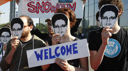 'Citizenfour': Documentary shows Snowden reunited with dancer girlfriend in Moscow