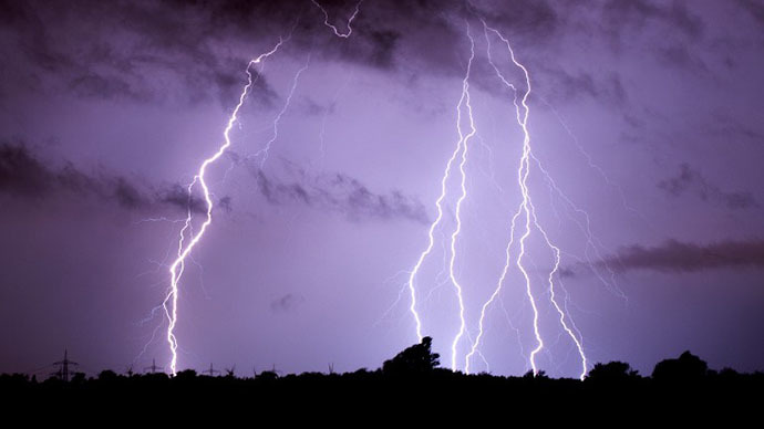 Spanish World Cup team plane struck by lightning on way back from Brazil