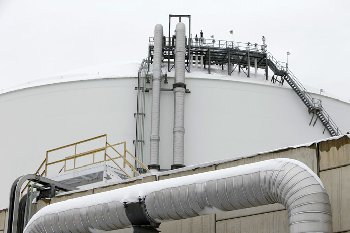 ransfer lines (bottom and center) feed into the top of a storage tank at the Dominion Cove Point Liquefied Natural Gas (LNG) terminal in Lusby, Maryland (Reuters/Gary Cameron)