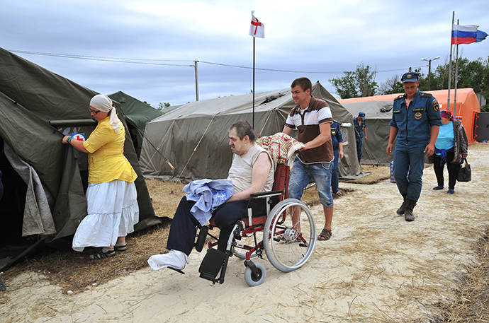 Refugees from southeastern Ukraine at a tent camp in Donetsk, Rostov Region (RIA Novosti / Sergey Pivovarov)