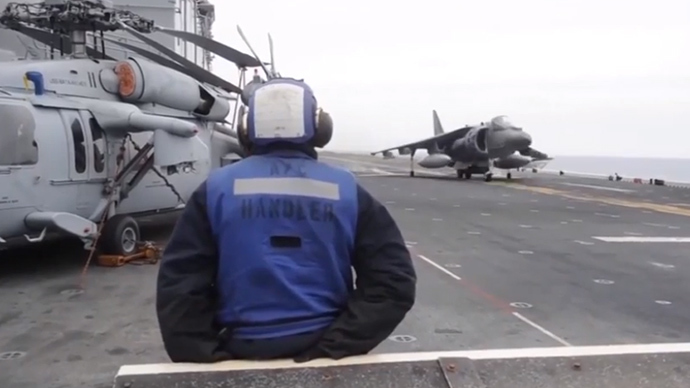Fighter jet lands on stool after gear malfunction (VIDEO)