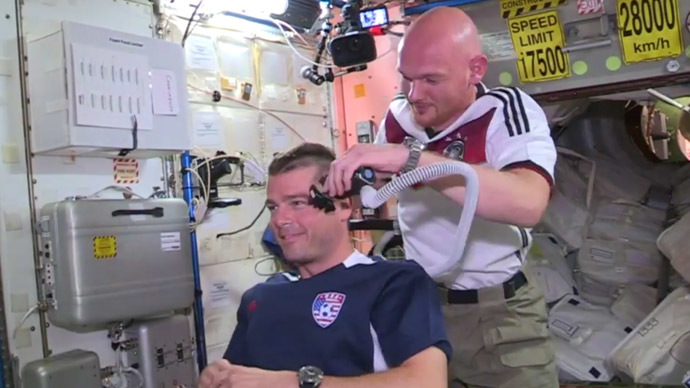 Space football fever: NASA astronauts lose hair in World Cup bet (VIDEO)