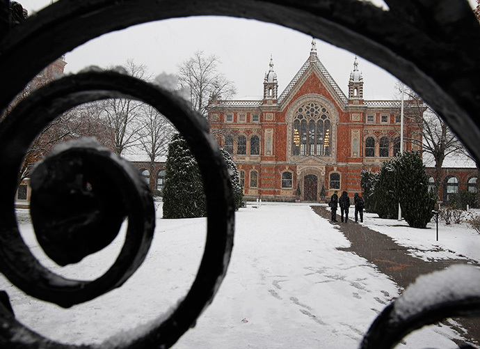 Students walk to classes on Dulwich College in south London (Reuters / Chris Helgren)
