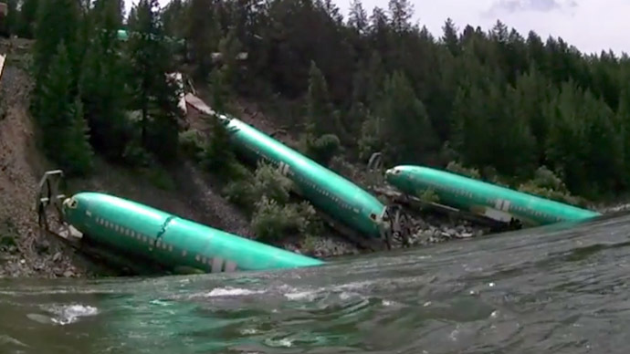 Crash landing: 3 new Boeings stuck on Montana riverbank after train derails