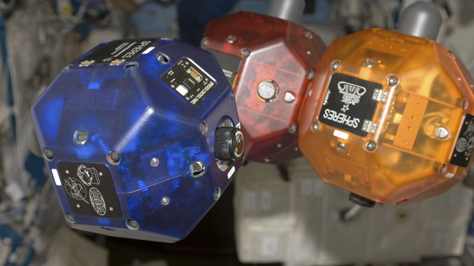 Google smartphones become brains of hovering robots at ISS