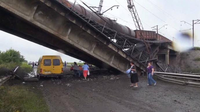 A bridge that was blown up in Donetsk Region (screenshot from RT)