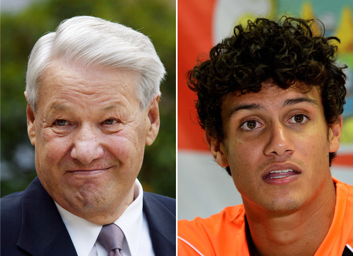 Russia's first president Boris Yeltsin (L) and Costa Rica's Yeltsin Tejeda (AFP Photo)