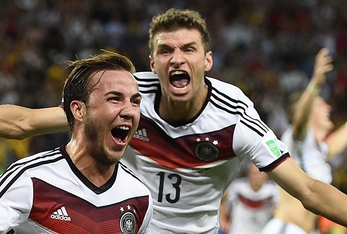 Germany's Mario Goetze celebrates his goal against Argentina infront of teammate Thomas Mueller during extra time in their 2014 World Cup final at the Maracana stadium in Rio de Janeiro July 13, 2014. (Reuters / Dylan Martinez)