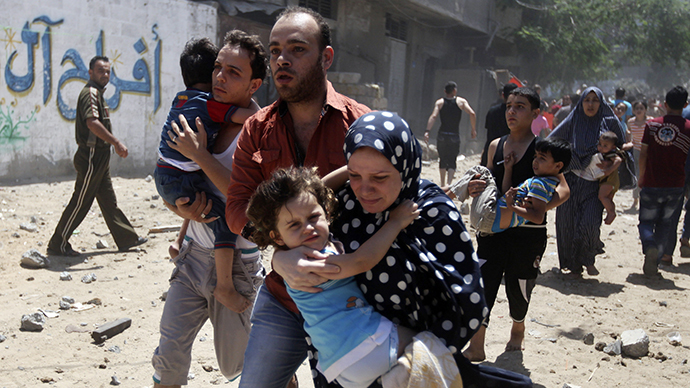 Thousands of civilians flee Gaza, Palestinian death toll surpasses 160