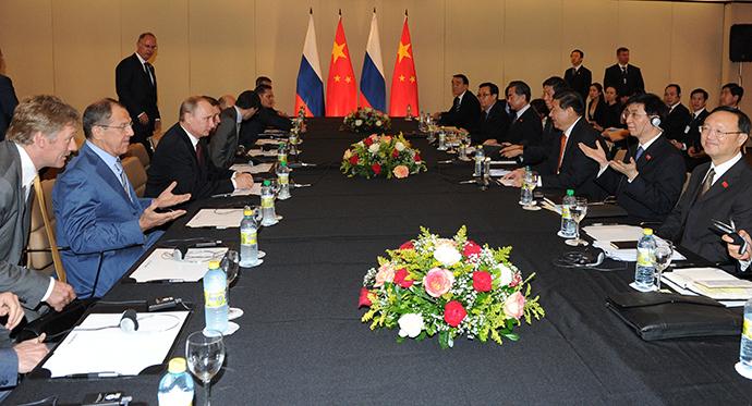 Russian President Vladimir Putin meets his Chinese counterpart Xi Jinping in Fortaleza, Brazil (RIA Novosti / Mikhail Klementiev)