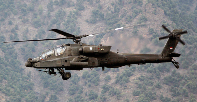 A U.S. military AH-64 Apache assault helicopter (Reuters / Erik De Castro)