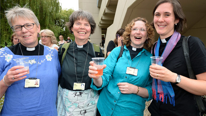 Church of England backs women bishops in historic vote