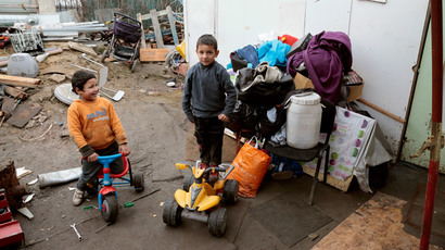 France probes mayor who 'refused burial for Roma baby'