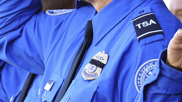 TSA agent stops man from boarding plane, questions existence of the District of Columbia