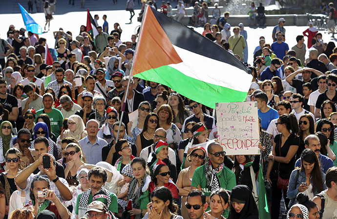 People protest on July 16, 2014 in the central French city of Lyon against Israel's deadly bombing of Gaza. (AFP Photo / Philippe Merle)