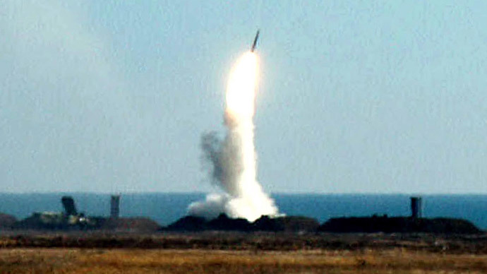 Ukrainian missile complex S-300 shoots a self-guided missile.October 04, 2001.(Reuters / Str )