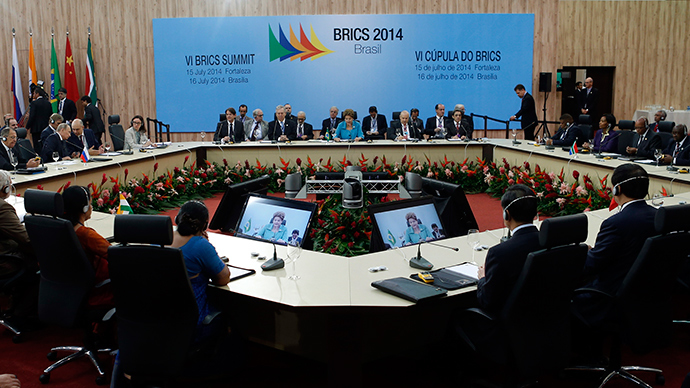 Leaders representing Brazil, Russia, India, China and South Africa attend the VI BRICS Summit in Fortaleza July 15, 2014 (Reuters / Nacho Doce)
