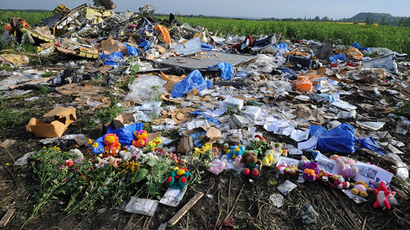 Donetsk militia put MH17 bodies on train amidst concerns over intl experts' absence