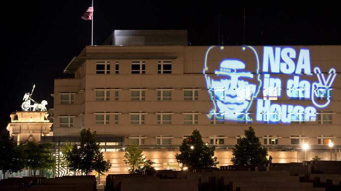 'NSA in da house': German artist lights up US Embassy (VIDEO)